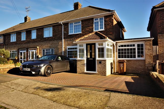 4 bed end terrace house for sale in Chartwell Close, Strood, Rochester ME2