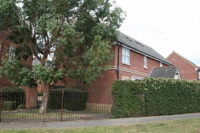 Thumbnail Flat to rent in Napier Crescent, Wickford, Wickford