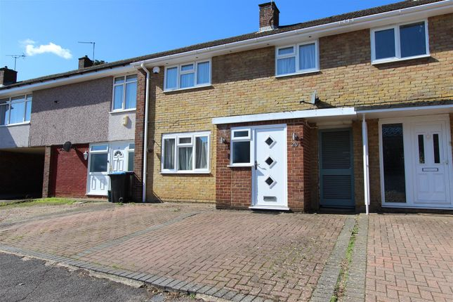 Thumbnail Terraced house for sale in Marlins Turn, Gadebridge, Hemel Hempstead