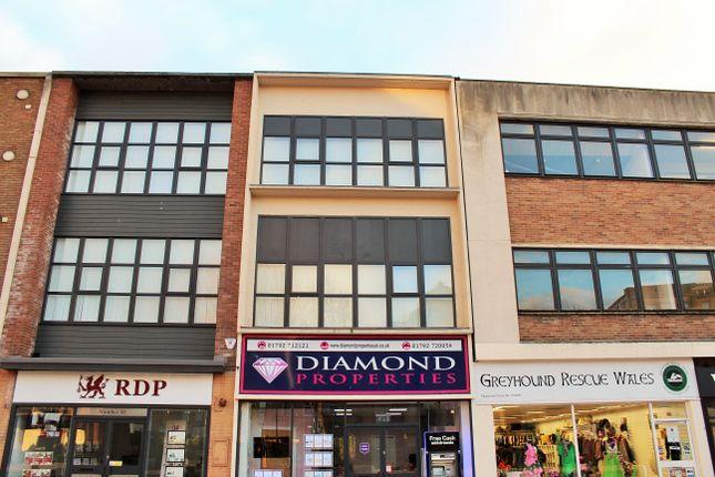 Flat to rent in The Kingsway, Swansea