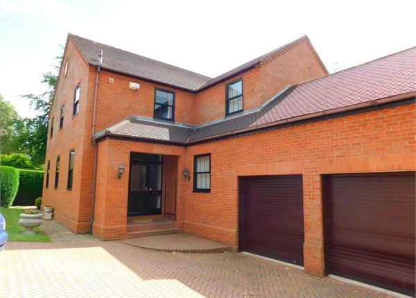 Thumbnail Detached house for sale in Bawtry Road, Doncaster, South Yorkshire