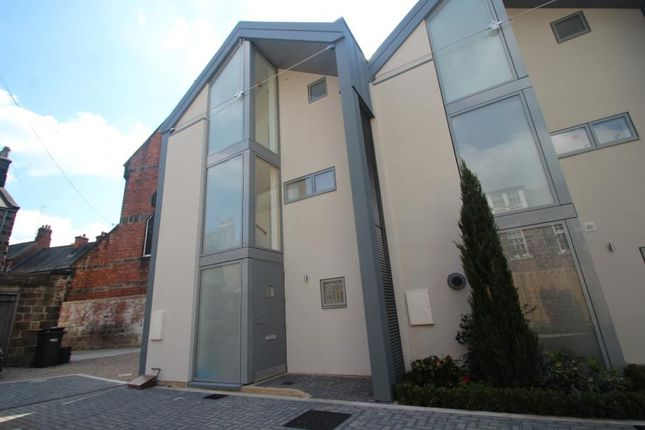 3 bed town house to rent in Belford Place, Harrogate HG1
