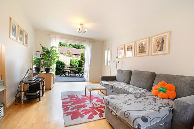 3 bed terraced house to rent in Langdon Way, London