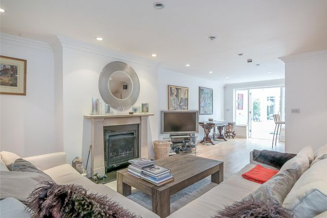 Thumbnail Terraced house for sale in Cinnamon Row, Wandsworth, London