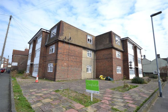 2 bed flat to rent in Firle Road, Eastbourne BN22