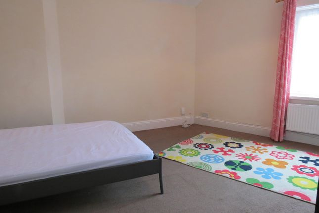 Bedroom 1 of Columbia Road, Bournemouth BH10