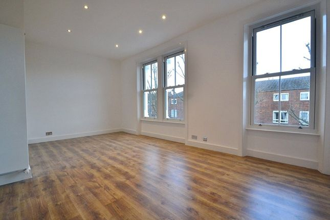 Thumbnail Flat for sale in Mulkern Road, Archway, London