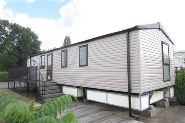 2 Bed Mobile Park Home For Sale In Hampstead Lane Yalding Maidstone Kent ME18