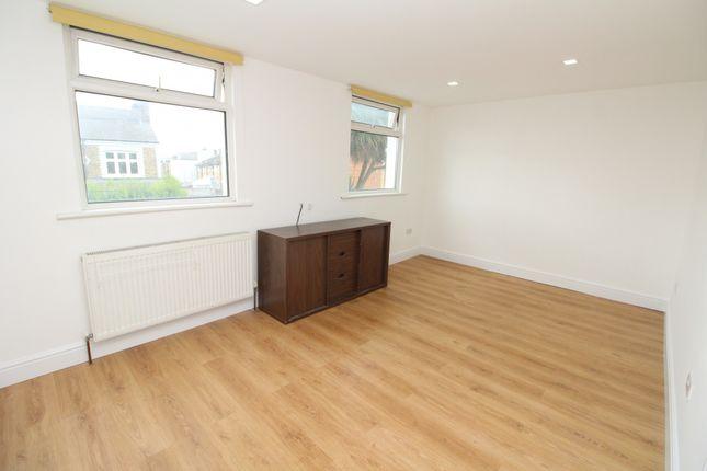 Thumbnail Flat to rent in Buckthorne Road, Brockley