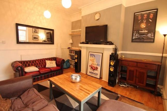 Thumbnail Terraced house to rent in Hyde Park Road, Hyde Park, Leeds