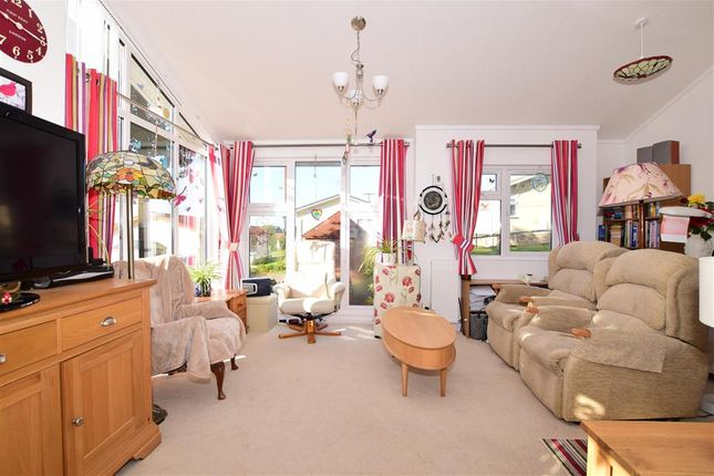Thumbnail Mobile/park home for sale in Yeomans Way, Pilgrims Retreat, Maidstone, Kent