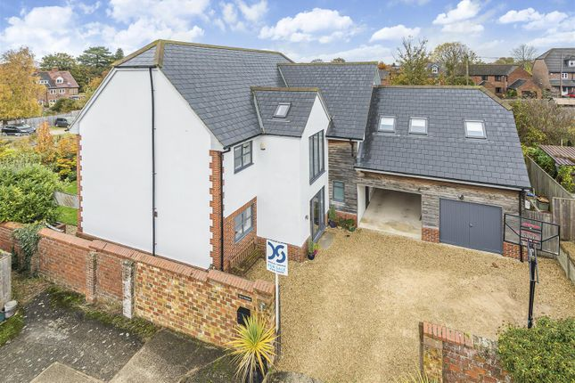 Detached house for sale in Chandlers Close, Wantage