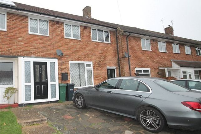 Thumbnail Semi-detached house to rent in Hatch Gardens, Tadworth