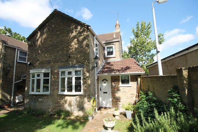 Thumbnail End terrace house to rent in High Road, Chigwell