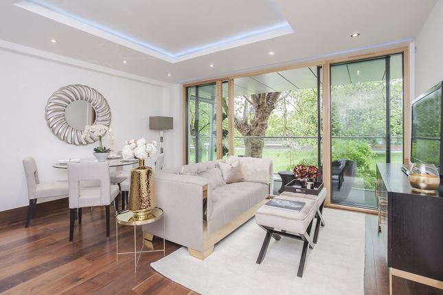 Thumbnail Flat for sale in 31 Woodford Road, London
