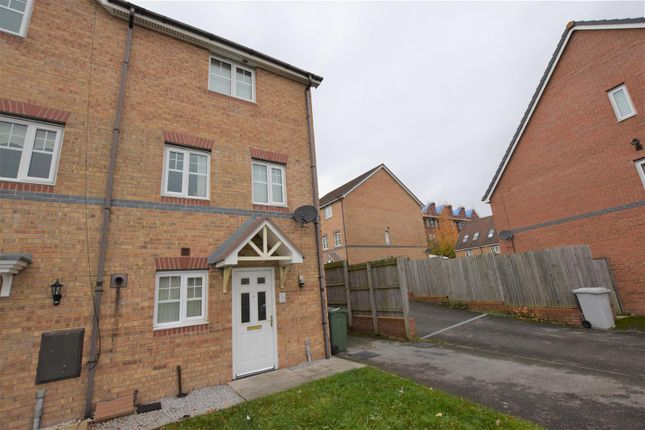 Thumbnail Town house to rent in Merlin Road, Tranmere, Birkenhead