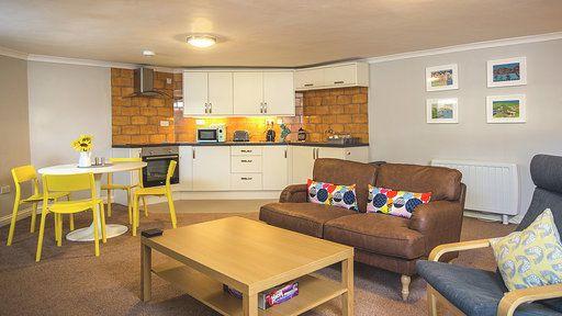 Thumbnail Flat to rent in Rawlyn Road, Torquay