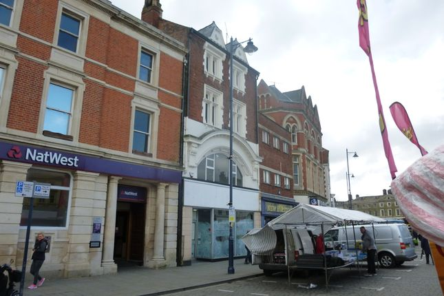 Retail premises to let in Fish Hill, Market Place, Boston