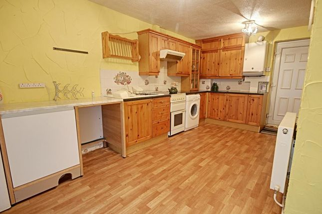 Terraced house to rent in Raeburn Road, Sheffield