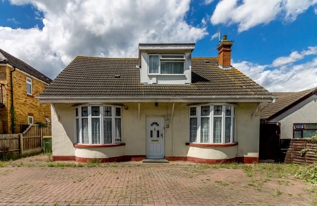 Thumbnail Bungalow for sale in Rayleigh, Essex