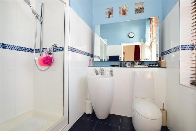 En-Suite of Hampstead Avenue, Woodford Green, Essex IG8