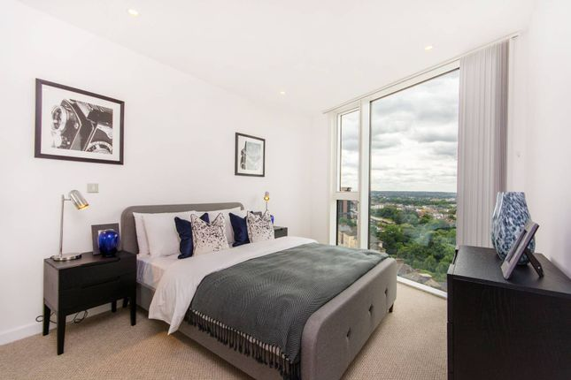 Thumbnail Flat for sale in Newgate Tower, Croydon