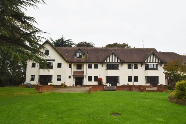 Thumbnail Property to rent in Stretton Close, Penn, High Wycombe