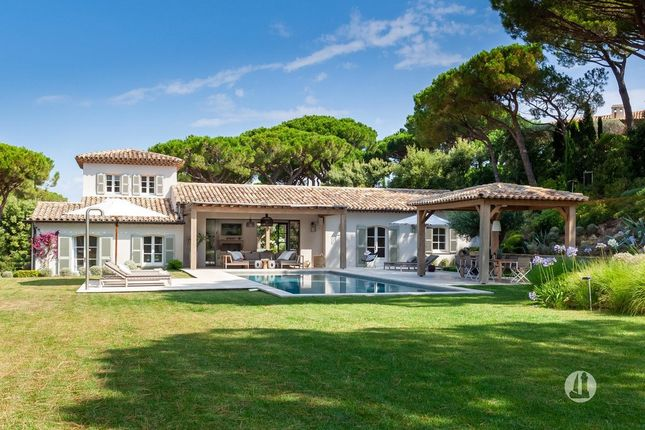 Thumbnail Villa for sale in Saint-Tropez, Les Parcs, 83990, France