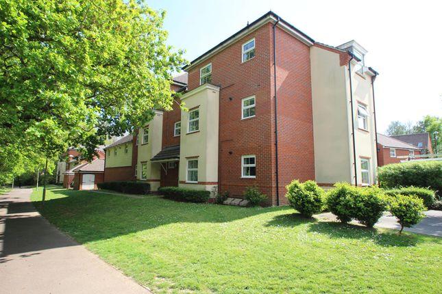 2 bed flat to rent in Castillian Way, Fareham, Hampshire PO15