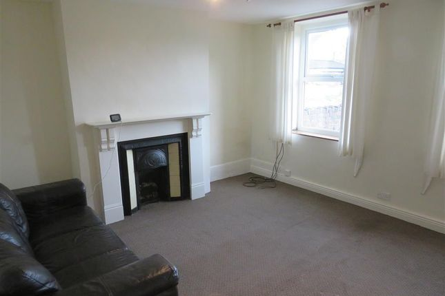 Thumbnail Flat to rent in Jenkin Road, Horbury, Wakefield