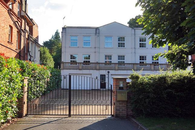 Thumbnail Town house to rent in Park Road, Tunbridge Wells