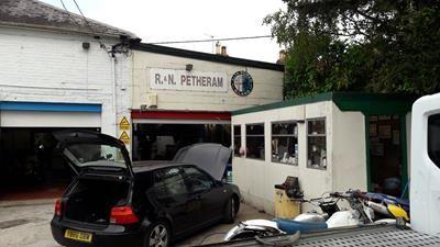 Photo 4 of Turgis Green Garage, Turgis Green, Basingstoke RG27