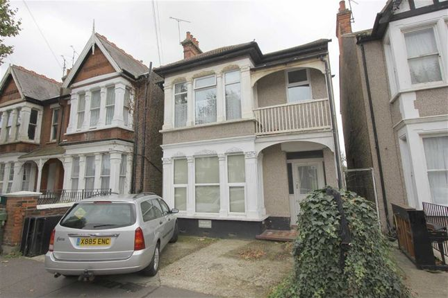 1 bed flat to rent in Kilworth Avenue, Southend On Sea, Essex