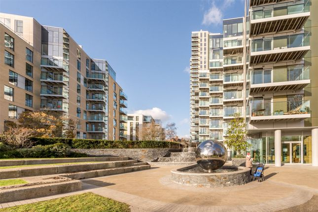 1 bed flat for sale in Hadleigh Apartments, Woodberry Down, Finsbury Park, London