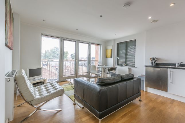 Thumbnail Flat to rent in Castle Lane, Bedford