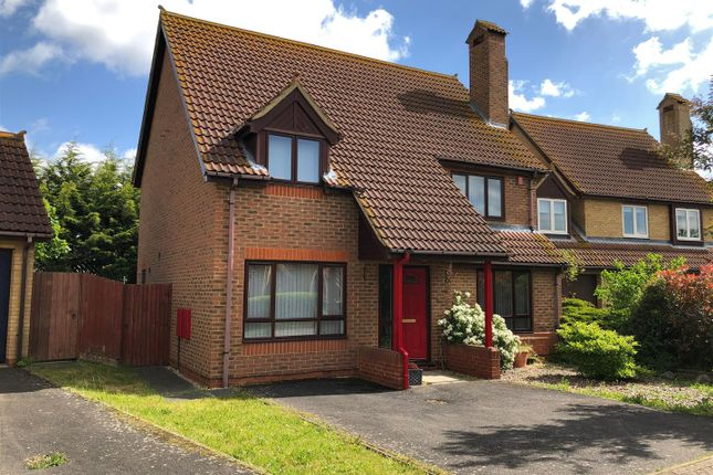 Thumbnail Detached house for sale in Fieldfare, Sandy