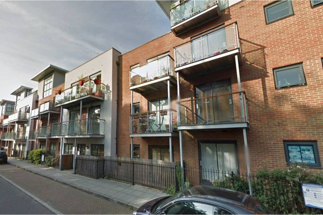 Thumbnail Flat to rent in Highfield Close, Hither Green, London