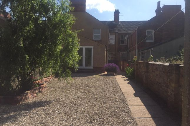 Thumbnail 1 bed flat to rent in Ainslie Street, Grimsby