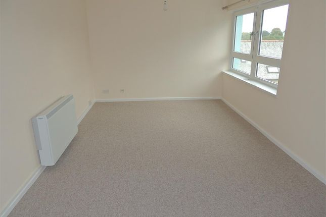 Thumbnail Flat to rent in Bridge Road, St. Austell