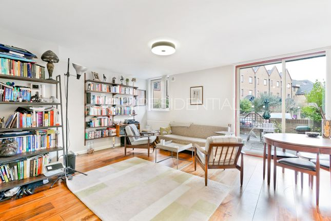 Thumbnail Flat to rent in China Court, Asher Way, London