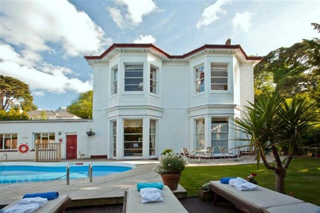 Thumbnail Hotel/guest house for sale in Exceptional Victorian 9- Bedroom Hotel TQ1, Torbay