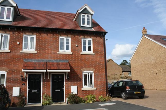 Thumbnail Semi-detached house to rent in Corbetts Way, Thame