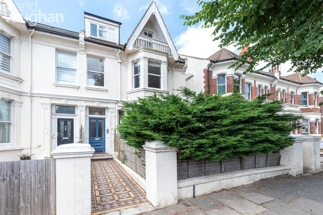 Thumbnail Flat to rent in Sackville Gardens, Hove, East Sussex