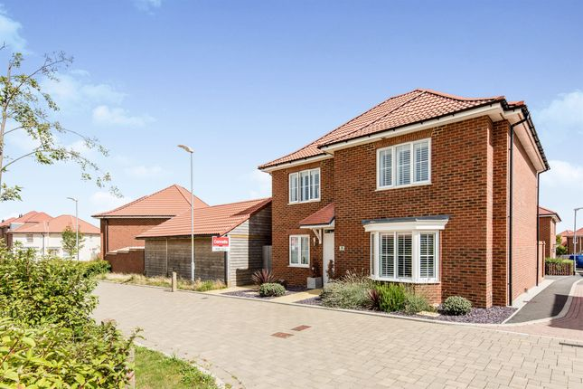Thumbnail Detached house for sale in Sunshine Corner Avenue, Aylesham, Canterbury