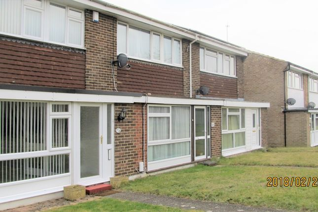 Thumbnail Terraced house to rent in Wellbrook Road, Farnborough