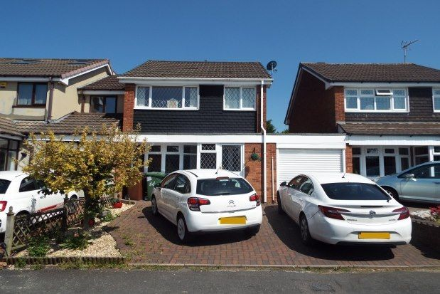 3 bed property to rent in Gainsbrook Crescent, Cannock WS11