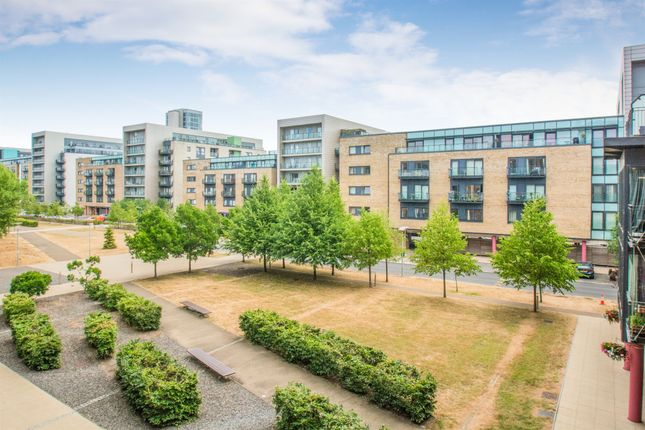 2 bed flat to rent in Breakwater House, Ferry Court, Cardiff CF11