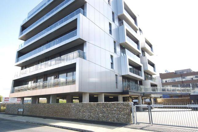 2 bed flat to rent in Geoffrey Watling Way, Norwich