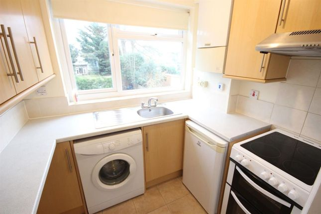 2 bed maisonette to rent in A Kenilworth Road, Petts Wood, Orpington BR5