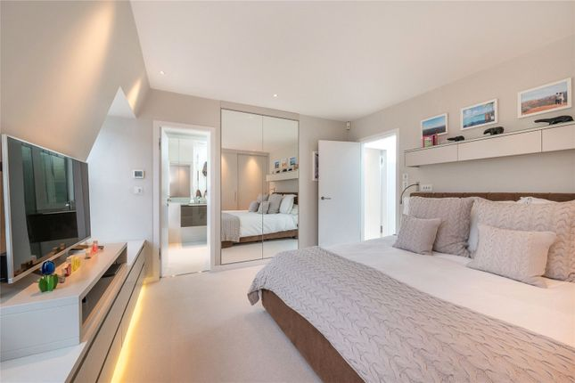 Bedroom of Pindock Mews, Little Venice, London W9